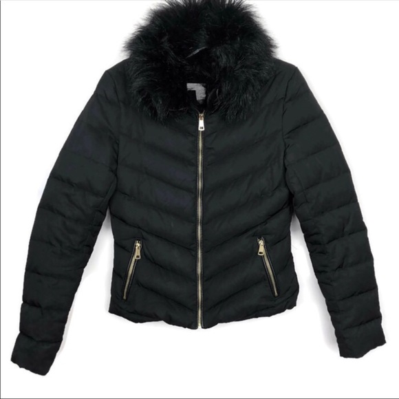 H&M Jackets & Blazers - •H&M• Black Puffer Jacket w/Black Faux Fur Collar